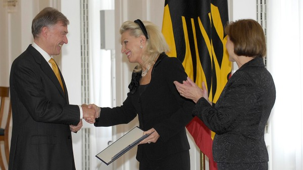 Federal President Horst Koehler awards the 1st Class Cross of Merit of the Order of Merit of the Federal Republic of Germany to Maria-Elisabeth Schaeffler.