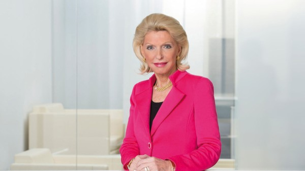 "Maria-Elisabeth Schaeffler-Thumann receives the 2012 ""Family Entrepreneur of the Year"" award."